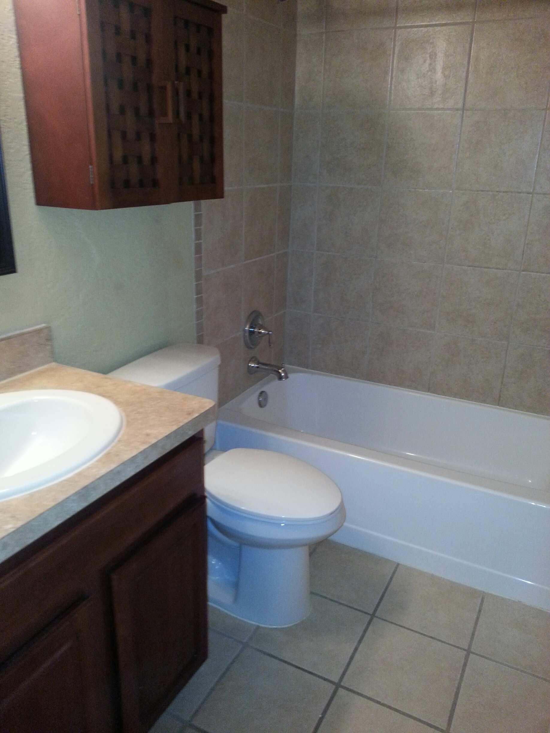 lakeshore-bathroom-photo